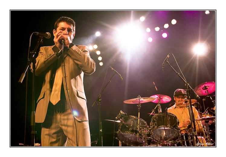 http://eveball.free.fr/concerts/blues_de_mars_2009/photos/new_line_up_4626.jpg