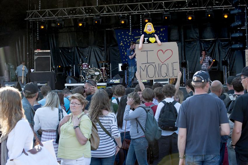 http://eveball.free.fr/concerts/festival%20beauregard%202011/ambiance/beauregard2011_2490.jpg