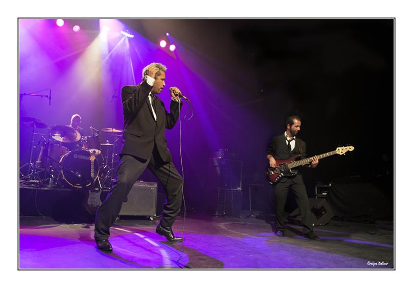 http://eveball.free.fr/concerts/festival_traverse_2011/photos/curtisjonhsonband_4079.jpg