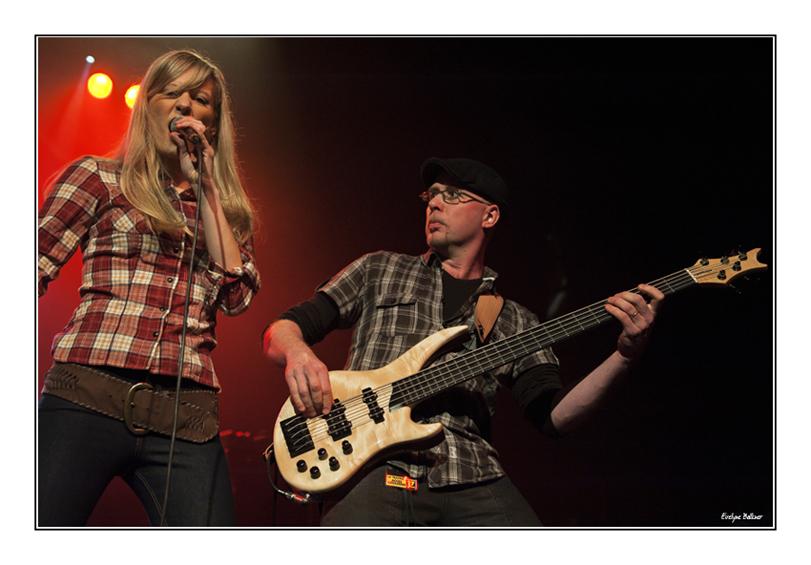 http://eveball.free.fr/concerts/festival_traverse_2011/photos/gianaM_3783.jpg