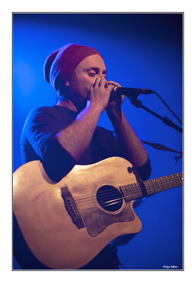 http://eveball.free.fr/concerts/john%20carrie/photos/john_carrie_4526.jpg