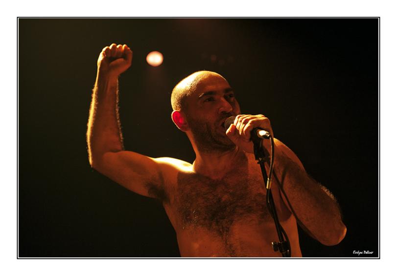 http://eveball.free.fr/concerts/mon%20cote%20punk/photos/moncotepunk_3055.jpg