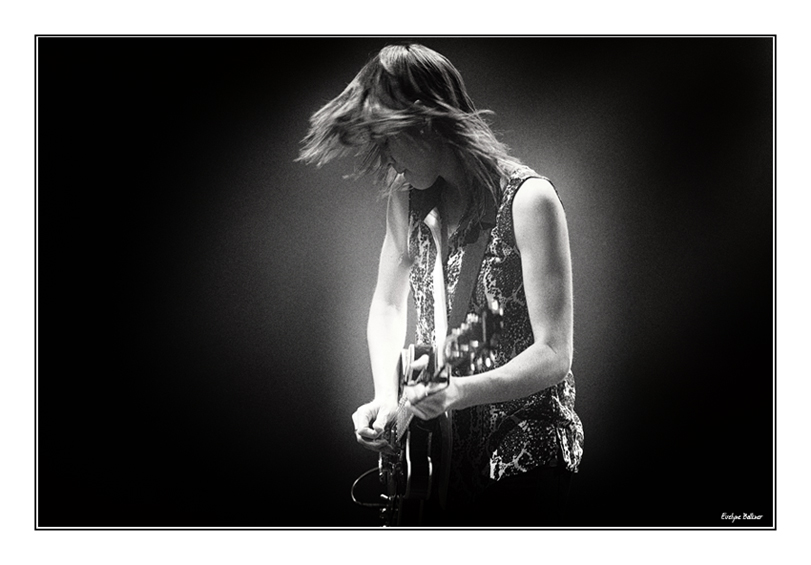 http://eveball.free.fr/concerts/salome%20leclerc/web/images/salome_leclerc_7650.jpg